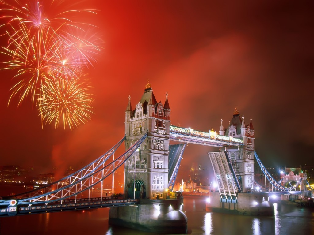 New Year's Firework in London New Year's Firework in London London Eye Decor Style 1 1024x768