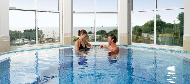 Indulge yourself: Luxury Spas in UK Indulge yourself: Luxury Spas in UK Luxury Spa Haven Decor Style
