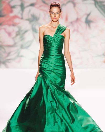 Colour Trend for 2013 - Emerald Green - Pantone Colour Colour Trend for 2013 – Emerald Green – Pantone Colour emerald green decor 01 lgn1