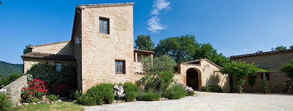tuscany-villas-gavelli-courtyard Top Vacation Destinations in Europe - Villa Life Top Vacation Destinations in Europe – Villa Life tuscany villas gavelli courtyard