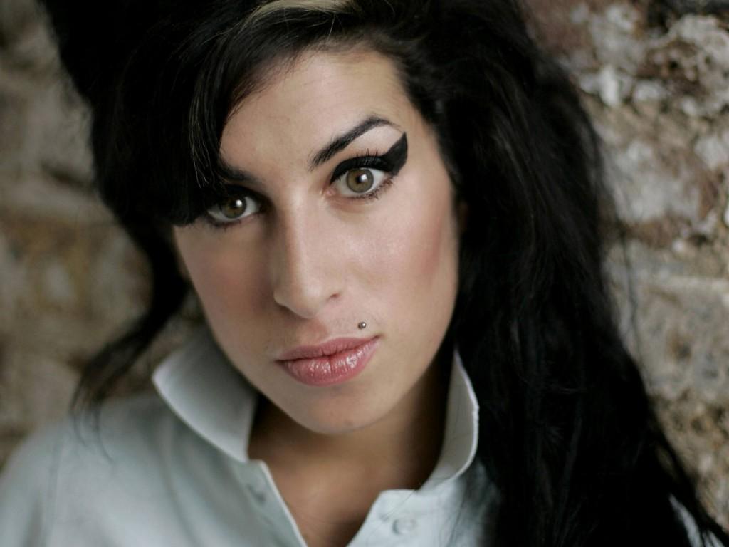 Amy Winehouse Amy Winehouse Amy Winehouse : Our tribute amy winehouse1 1024x768