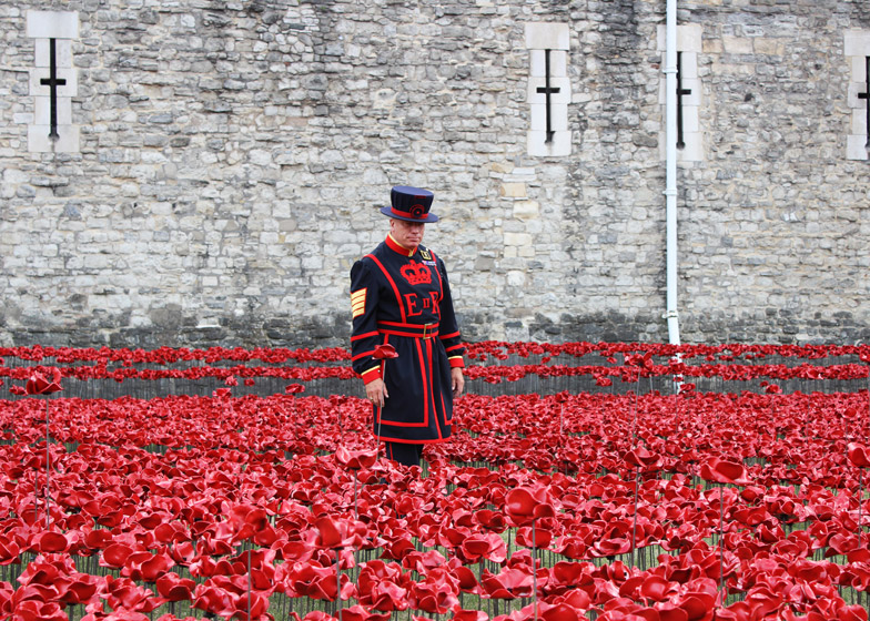 Blood-Swept-Lands-and-Seas-of-Red-poppies-installation-at-the-Tower-of-London_dezeen_784_2 Tower of London marks WW1 centenary with a sea of poppies Tower of London marks WW1 centenary with a sea of poppies Blood Swept Lands and Seas of Red poppies installation at the Tower of London dezeen 784 2