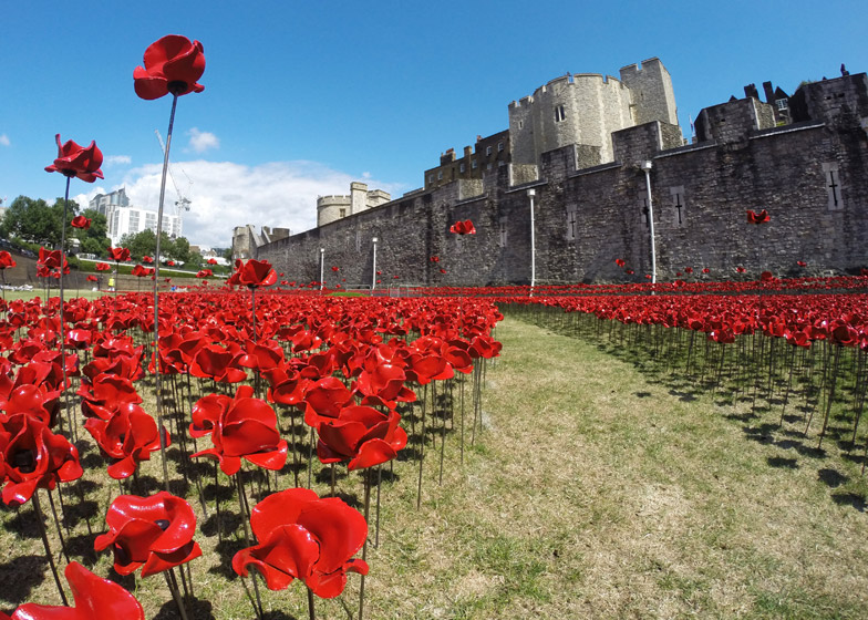 Blood-Swept-Lands-and-Seas-of-Red-poppies-installation-at-the-Tower-of-London_dezeen_784_8 Tower of London marks WW1 centenary with a sea of poppies Tower of London marks WW1 centenary with a sea of poppies Blood Swept Lands and Seas of Red poppies installation at the Tower of London dezeen 784 8