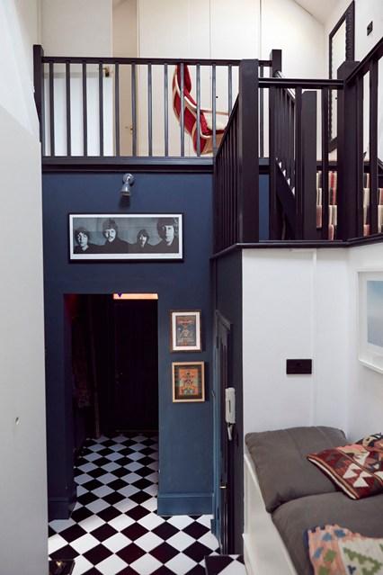 hallways ideas decorate your Hallway Amazing Ideas to decorate your Hallway The Vicarage  080 shootfactory easy living 17sep13 pr b 426x639