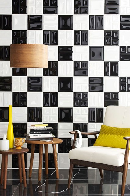 hallways ideas decorate your Hallway Amazing Ideas to decorate your Hallway monchrome topps tiles easyliving 2july13 b 426x639 1
