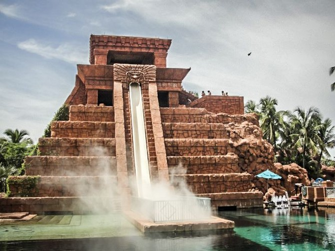 decor and style - winter destinations Atlantis Resort in Nassau, Bahamas1
