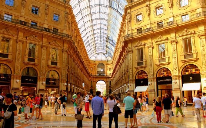 Top 10 shopping destinations Top 10 Shopping Destinations Top 10 Shopping Destinations milan top shopping destinations