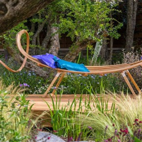 Behind the scenes at RHS Chelsea with Tom Raffield