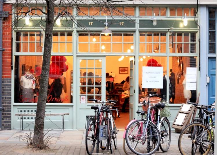 Londonabsolutevintageshoppinginteriordesigninspirationbrittanystiles4 TOP 10 Best Fashion Vintage Shops in London TOP 10 Best Fashion Vintage Shops in London Londonabsolutevintageshoppinginteriordesigninspirationbrittanystiles4 e1444218478691