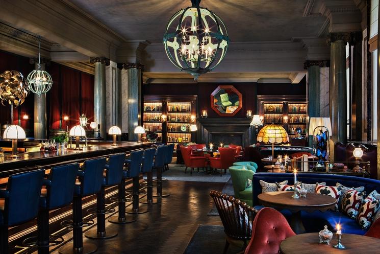 Martin Brudnizki 25 Best Interior Design Projects by Martin Brudnizki 1 25 BEST INTERIOR DESIGN PROJECTS BY MARTIN BRUDNIZKI rosewood london bar