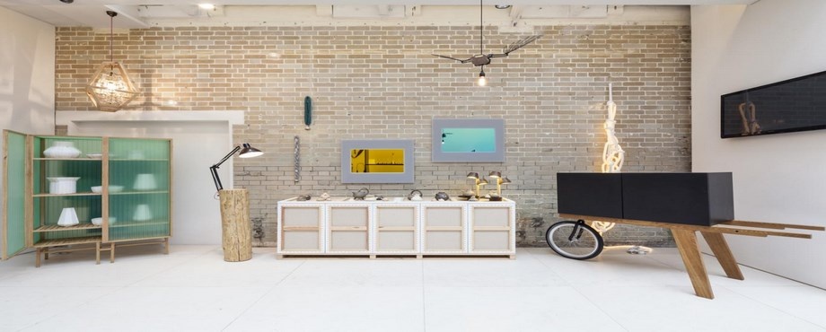 [object object] Top 25 interior design stores in the UK cover C  pia