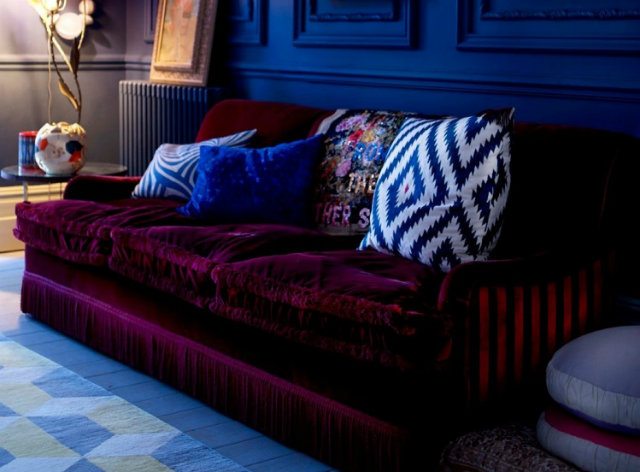 Modern burgundy velvet sofa Top 10 Modern Sofas for a Luxury Living Room Top 10 Modern Sofas for a Luxury Living Room Modern burgundy velvet sofa