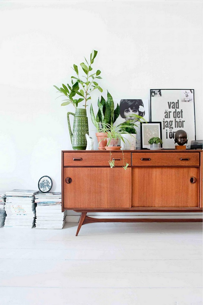 Get-Inspired-by-These-Mid-Century-Modern-Buffets-and-Cabinets-1 Mid Century Modern Buffets and Cabinets Mid Century Modern Buffets and Cabinets Get Inspired by These Mid Century Modern Buffets and Cabinets 11