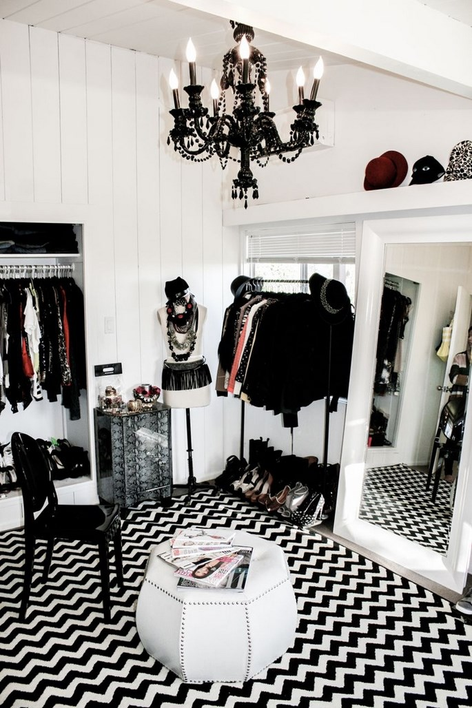 luxury-closets-for-the-master-bedroom Luxury Closets For The Master Bedroom Luxury Closets For The Master Bedroom Luxury Closets For The Master Bedroom 2