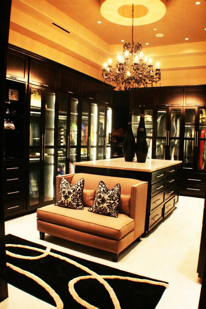 luxury-closets-for-the-master-bedroom Luxury Closets For The Master Bedroom Luxury Closets For The Master Bedroom Luxury Closets For The Master Bedroom 4