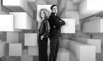 Dynamo and Kelly Hoppen with 3D-effect