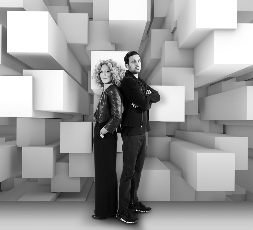 Kelly Hoppen Dynamo and Kelly Hoppen with 3D-effect ft