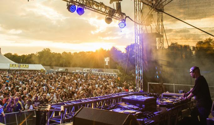 summer festivals 2016 London's Summer Festivals 2016 10 Must Watch Artists at London's Summer Festivals 2016 featureimageeeeee2