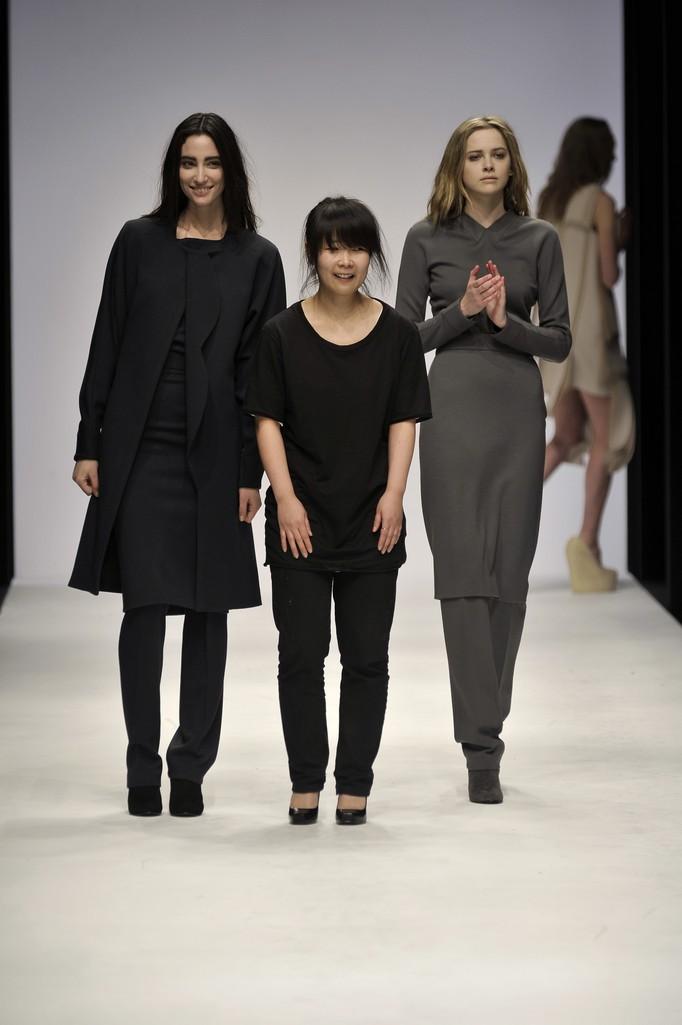 Jackie JS Lee British Fashion 3 British Fashion Top 5 British Fashion Designers in BFC Trust Designer Jackie JS Lee