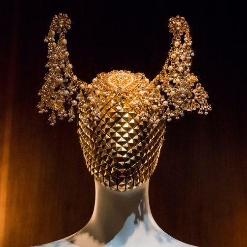 Alexander McQueen alexander mcqueen Alexander McQueen: Savage Beauty Savage Beauty 2015 ALEXANDER MCQUEEN exhibition 4 502x502