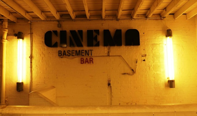 Best London-Set Movies best london-set movies 5 Best London-Set Movies Ever cover image cinema