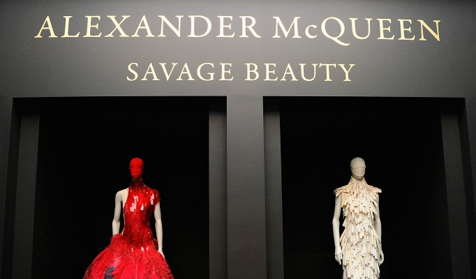 Alexander McQueen alexander mcqueen Alexander McQueen: Savage Beauty feature image 1