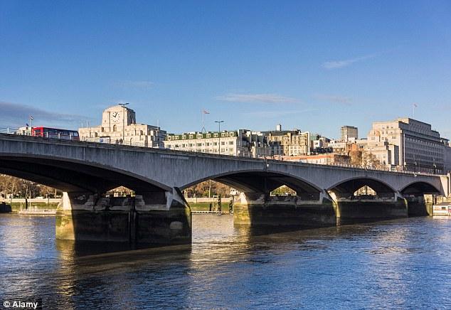 London Bridges London Bridges 7 Most Amazing London Bridges article 2364712 1AD5F3A1000005DC 367