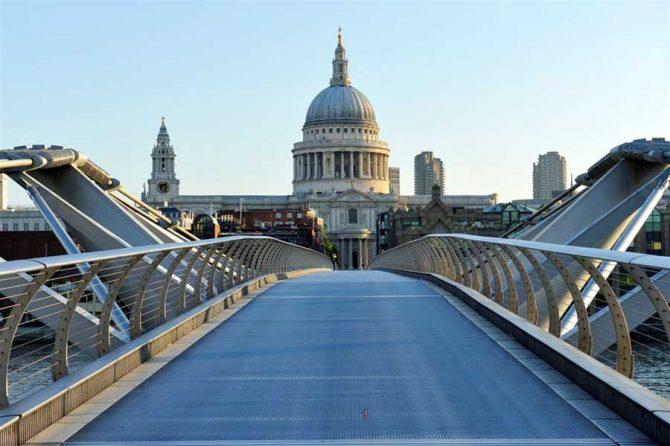 London Bridges London Bridges 7 Most Amazing London Bridges millennium bridge nw090609 1