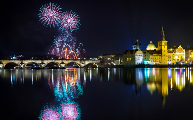 7 Best Cities For a Stunning NYE Getaway
