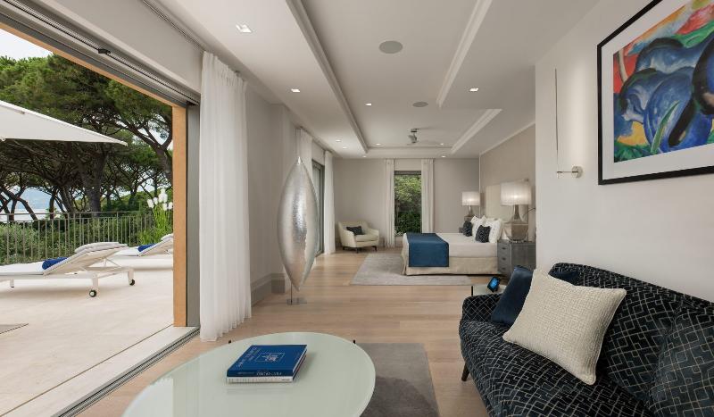 uk interior designers Meet the Stunning Projects  Designed by UK Interior Designers canva photo editor 67