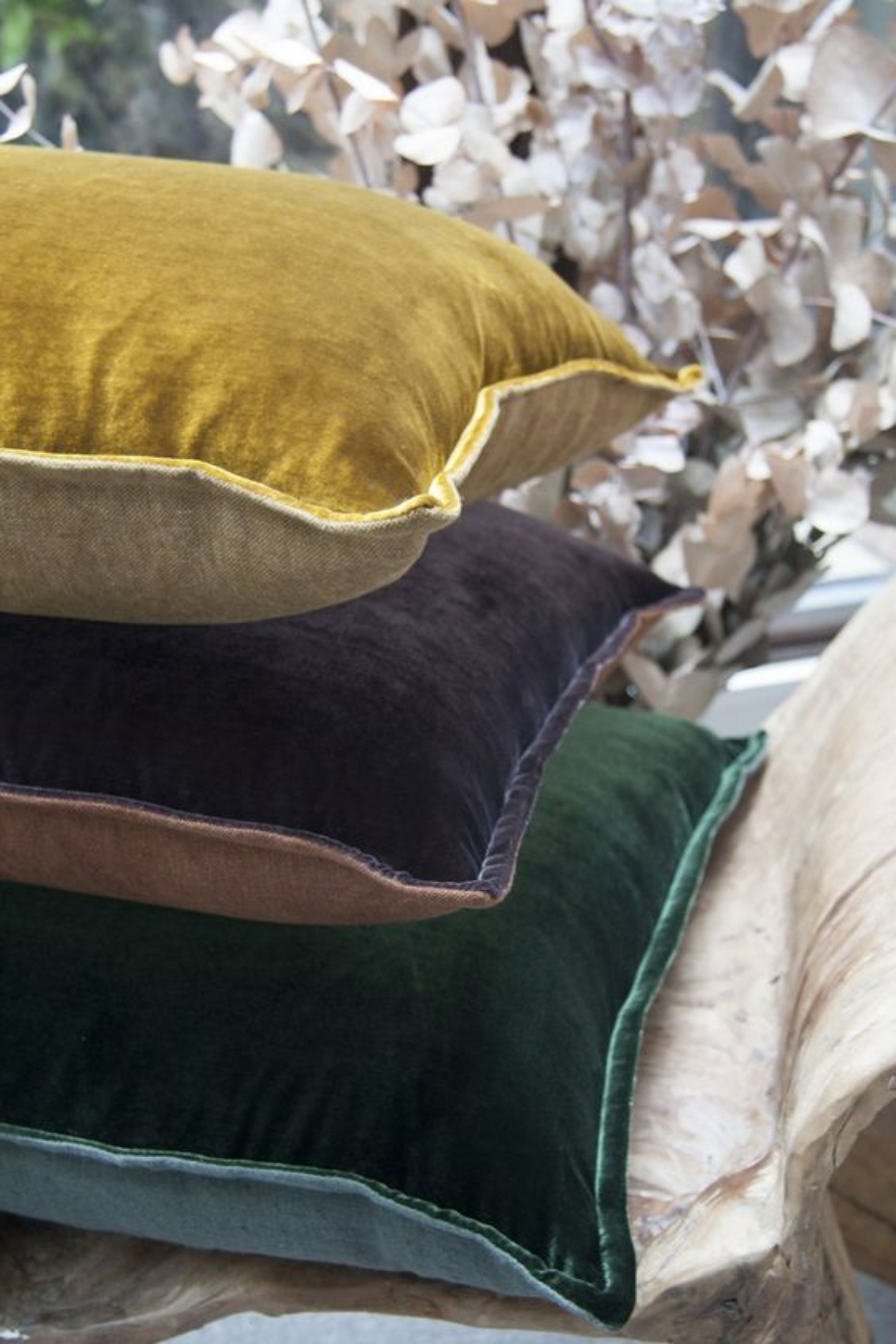 velvet Different Ways to Use Velvet in Your Home Decor Different Ways to Use Velvet in Your Home Decor 5